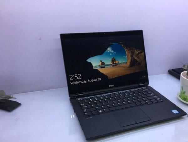 Dell Latitude 7389 2-in-1 13.3 inch FHD Touch Windows 10 Pro Core i5 7300U / RAM 8GB / SSD 128GB