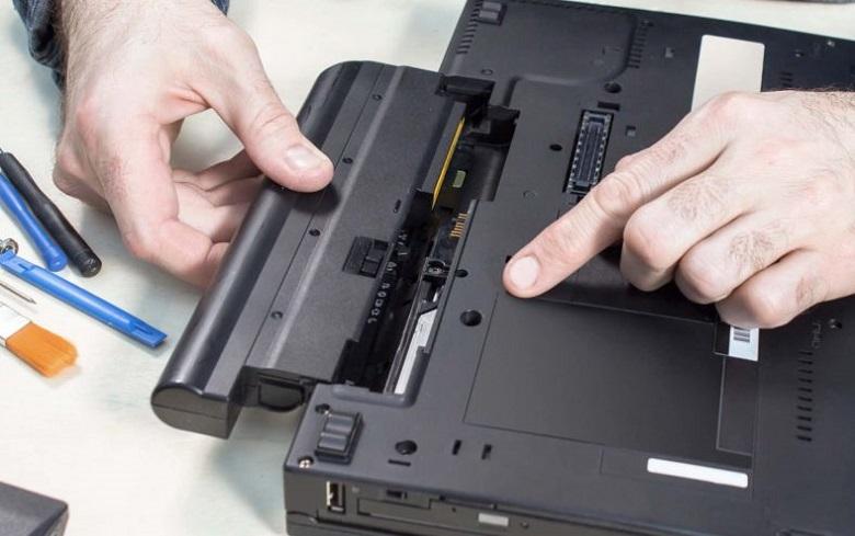 Pin Laptop Xách Tay